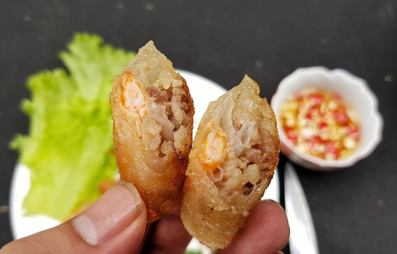 Chả ram tôm đất Bình Định là món ăn thu hút đượcnhiều du khách
