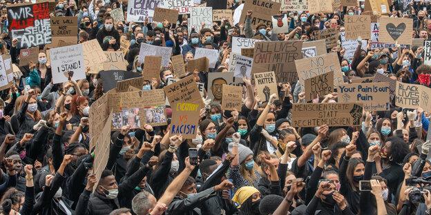Zehntausende demonstrieren gegen Rassismusmünchen.cleaned