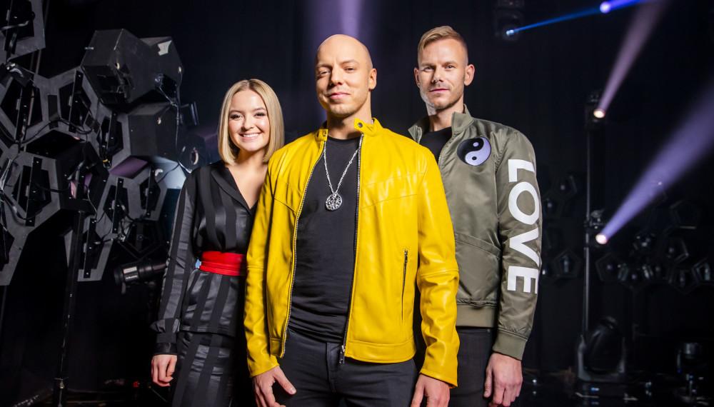 MUSIKK MED MENING: Alexandra Rotan, Fred Buljo og Tom Hugo fremførte sangen «Spirit in the Sky» i lørdagens Melodi Grand Prix-finale.