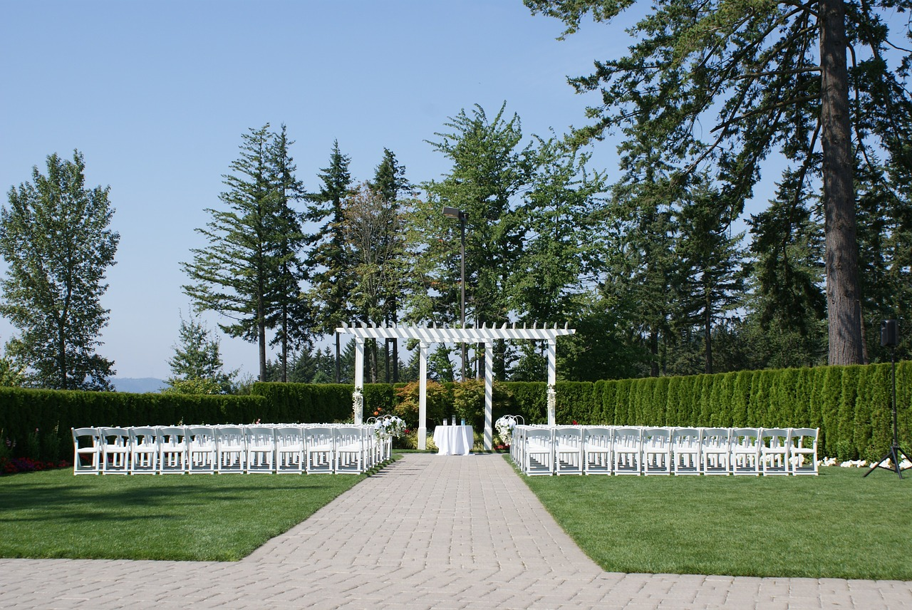 Outdoor-Wedding-Alter-Love-Wedding-Marriage-354734.jpg
