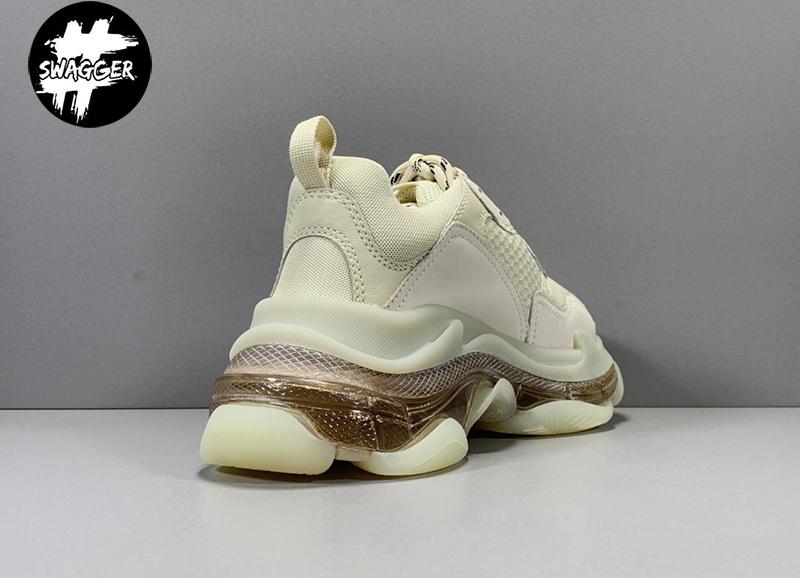 Giá giày balenciaga triple s clear có giá khá cao