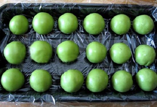 Cách làm bánh dẻo Trung thu nhân trà xanh thanh mát