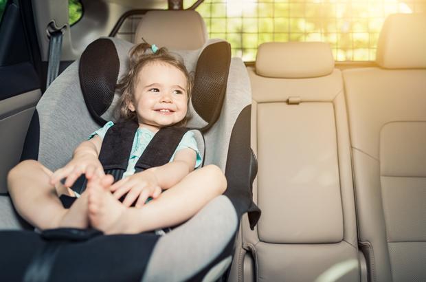 เก้าอี้นิรภัยในรถยนต์ หรือ คาร์ซีท (Car Seat)