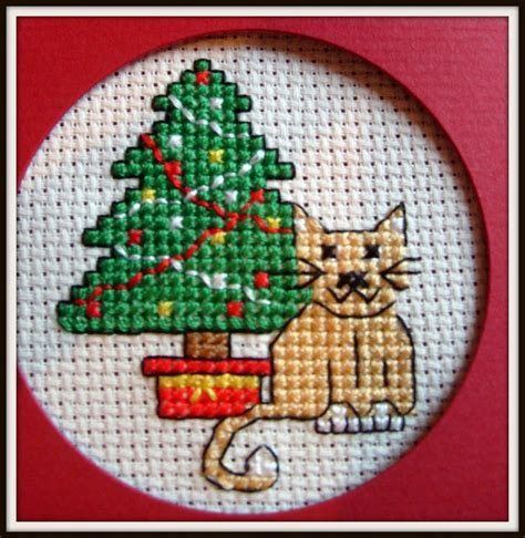 Kandipandi: Cross Stitch Christmas Cards