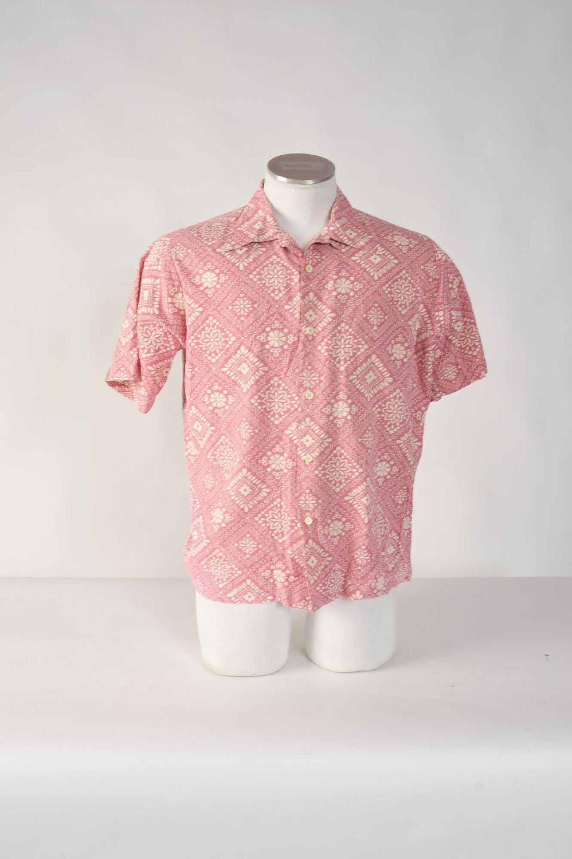 Vintage 1950s Shirt // Rockabilly Pink Bandana Print Look Collar Sportshirt Size Large