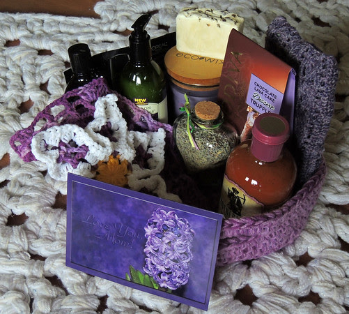 Snowcatcher Mom Basket