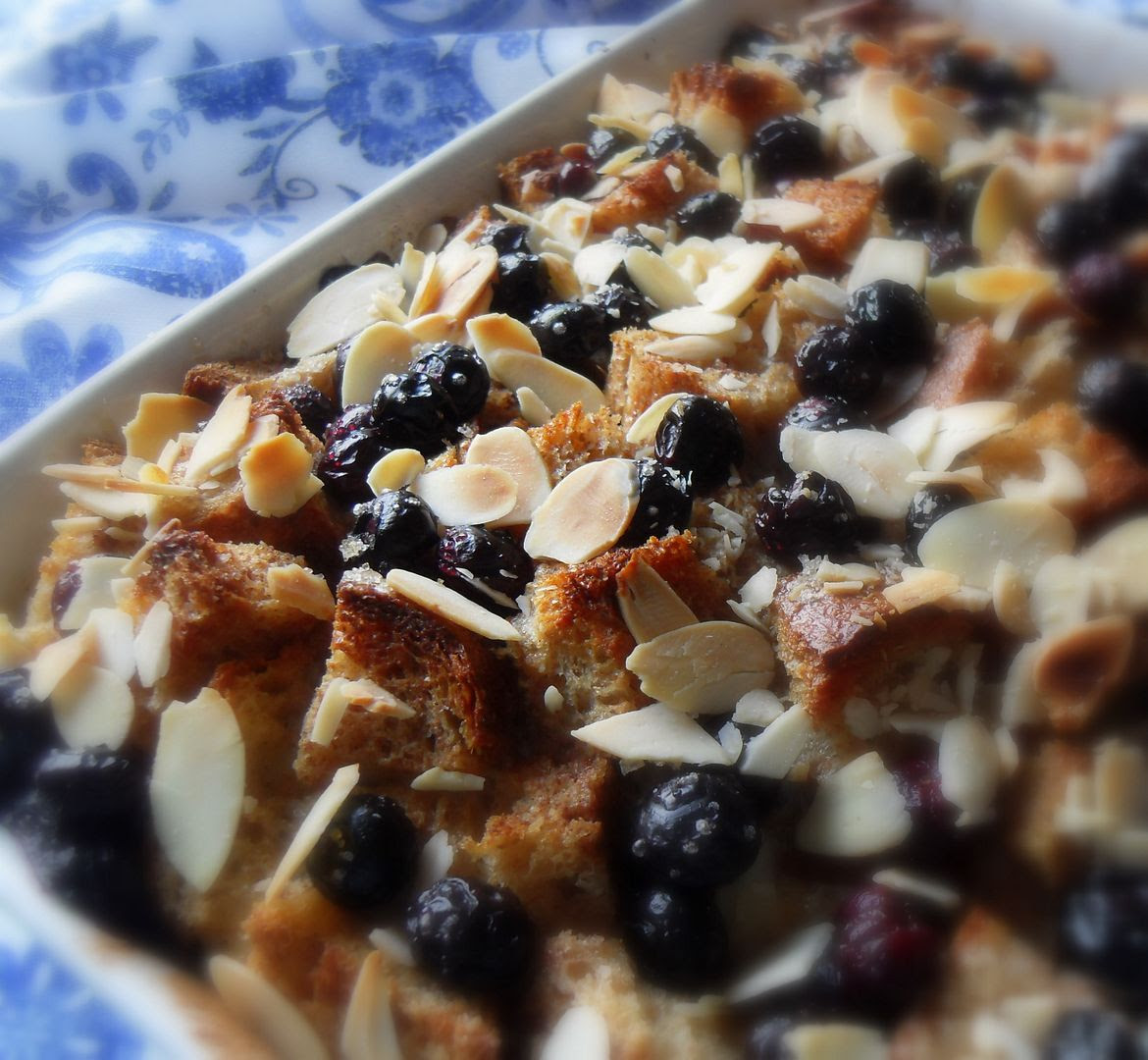 Blueberry and Almond Breakfast Bake