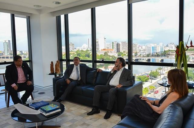 Meio Ambiente: MPPE, TCE-PE e MPCO-PE atuam para acabar com os lixões em Pernambuco
