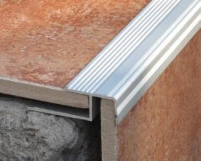 Image result for alu lajsne za stepenice