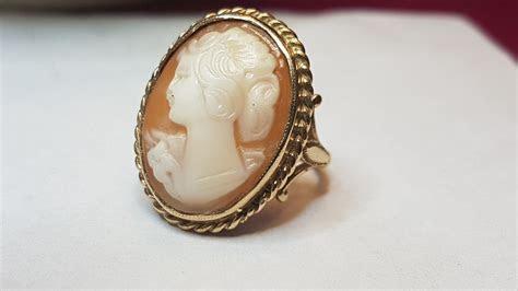 !!STOLEN!! 9 Karat Yellow Gold Antique Cameo Ring   Cash
