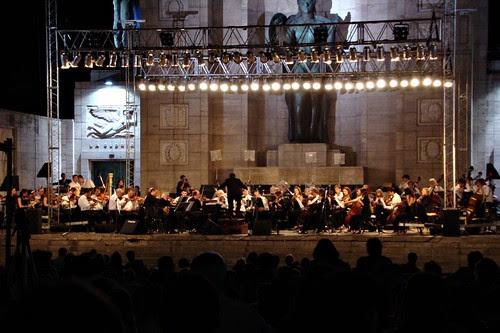 Orquesta Sinfónica Provincial haciendo tango