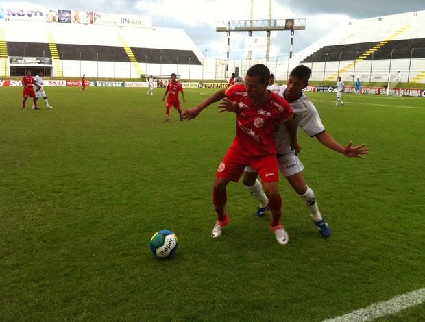 América-RN e ABC decidem título do Campeonato Potiguar Sub-20 (Foto: Matheus Magalhães/GLOBOESPORTE.COM)