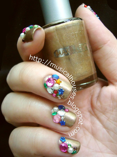 Libertine nail art gold gems jewels 4