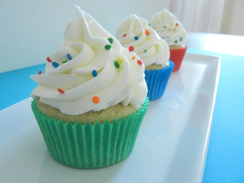 cupcake de colores Cupcakes decorados con confetti