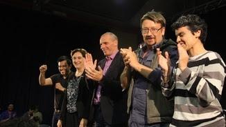 Pisarello, Colau, Varufakis, Domènech i Lucía Martín, en l'acte d'aquest dijous (ACN)