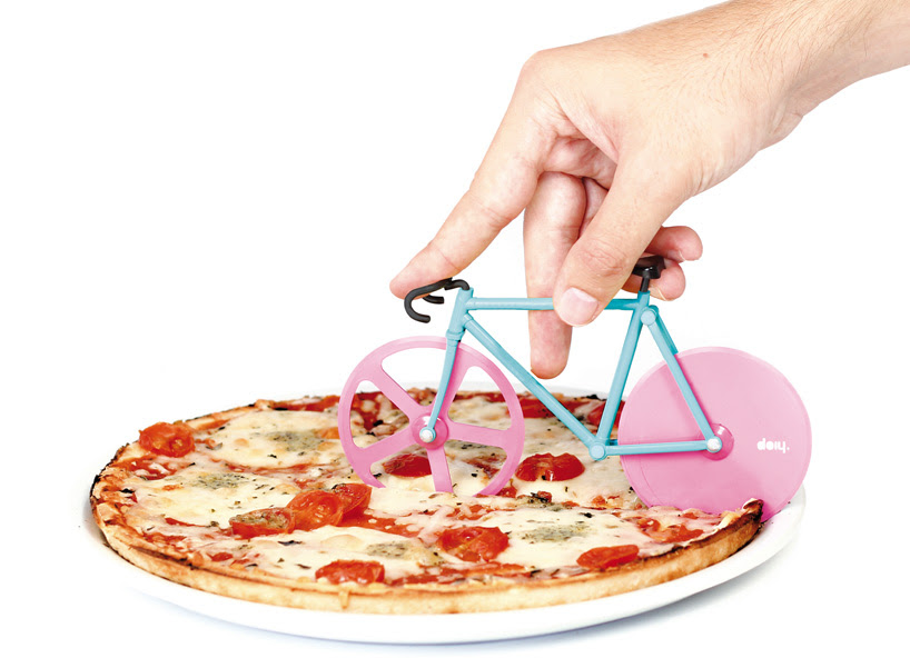 fixie-pizza-cutter-slices-with-bike-wheels-designboom-07