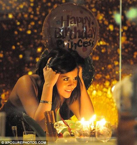http://i.dailymail.co.uk/i/pix/2011/12/01/article-2068408-0EFF25F900000578-551_468x496.jpg