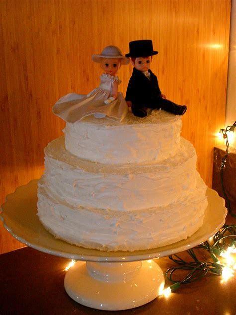 DIY Wedding Details: Fake Wedding Cake   Elizabeth Anne