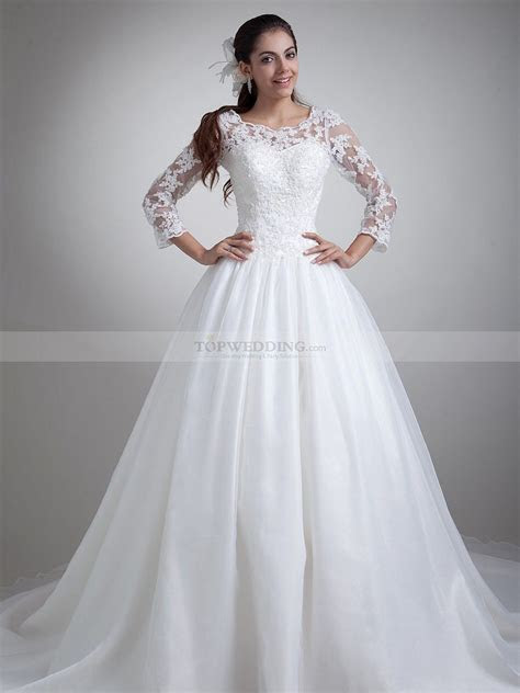 Long Sleeve Ball Gowns   sleeveless lace overlaid mermaid
