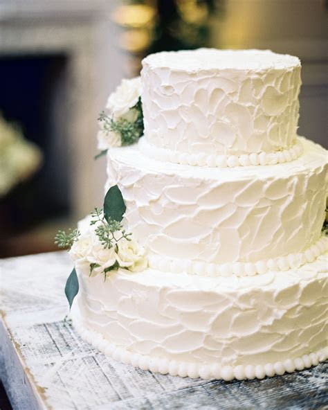 30 Romantic Wedding Cakes   Classic Wedding Cakes   White