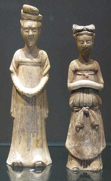 File:Dinastia tang, due serve.JPG