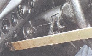 статья про Проверка свободного хода (люфта) рулевого колеса на автомобиле ВАЗ 2106