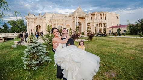 Wedding in Poland: professional photographer in Warsaw