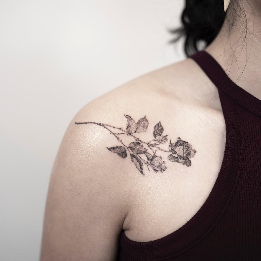 Tatuagens Femininas No Ombro Rosas Delicadas Mmod