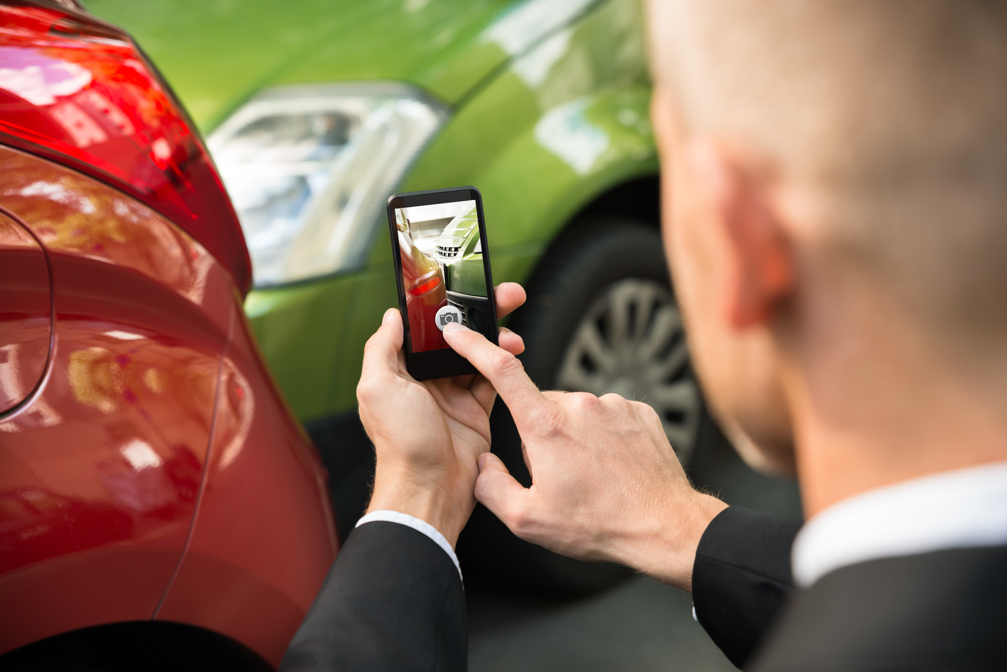 Car Insurance Experts Recommend Drivers To Take Pictures ...