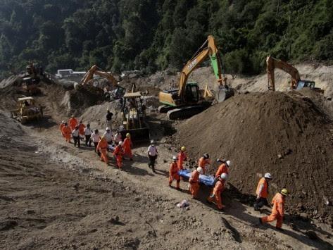 220 νεκροί και 350 αγνοούμενοι από την φονική κατολίσθηση στη Γουατεμάλα