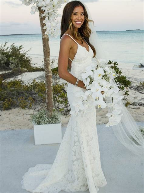 Mermaid Spaghetti Straps Backless Lace Beach Wedding Dress