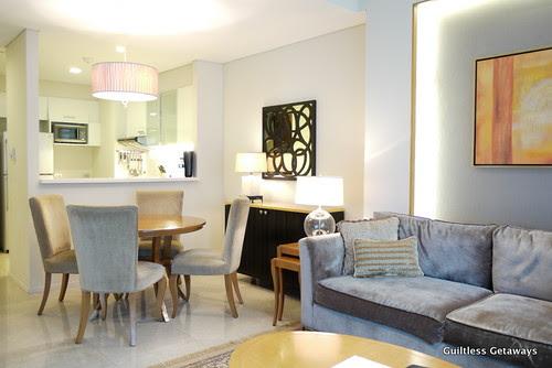 living-room-with-kitchen-oakwood-hotel.jpg