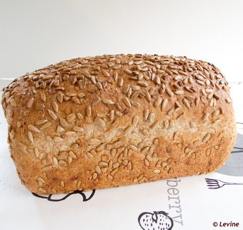 100% volkorenbrood met zonnebloempitten