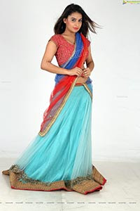 Neelam R Bhanushali