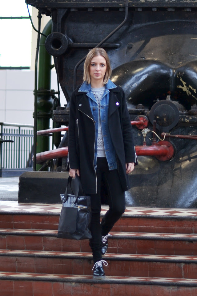 asos oversized cocoon biker coat mickey mouse studded disney bershka sweater zara trf jeans zara transparent derby marc by marc jacobs bag outfit post fashion blogger turn it inside out belgium