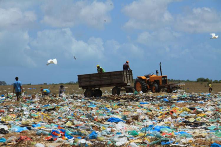 Resultado de imagem para imagens lixoes no rn