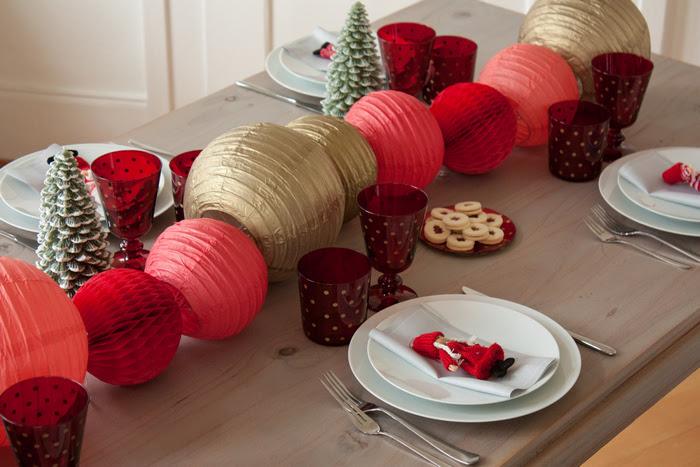 Une Idée De Centre De Table Doré Et Rouge Pour Noël Des