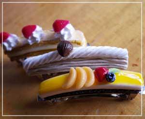 「Chericia gallery」さんの、ケーキのバレッタ3種類。どれもリアル!