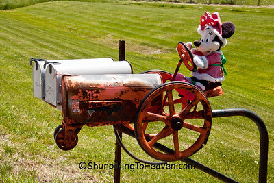 Minnie Mouse and Tractor Mailbox, Fond du Lac County, Wisconsin