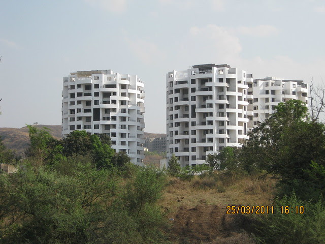 View of the residential towers in Baner Pune from DSK Gandhakosh