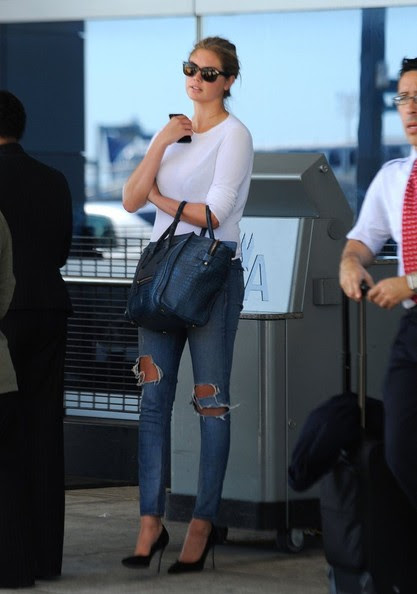Kate Upton - Kate Upton Arrives in NYC