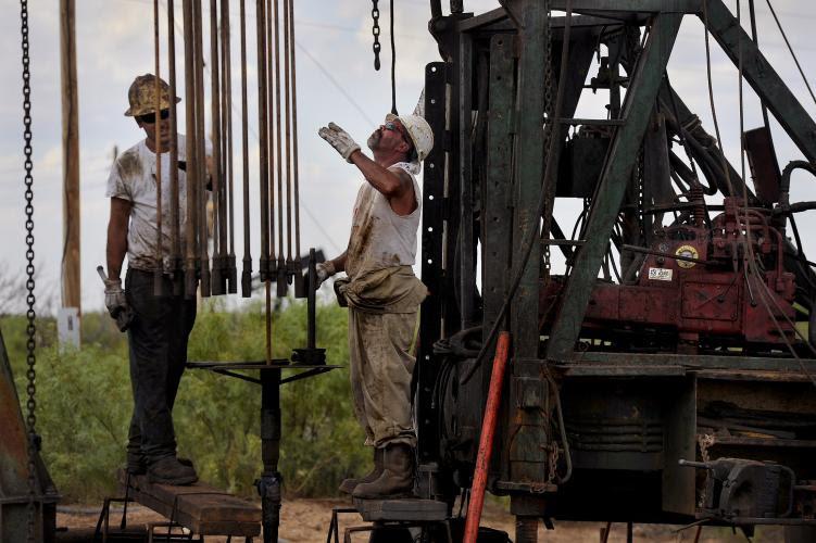 Η νέα γενιά στρέφεται στα πετρέλαια