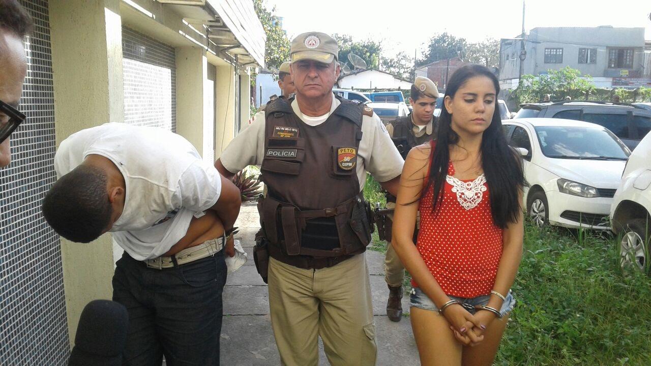 Casal é preso com 20 quilos de maconha prensada durante blitz da PM