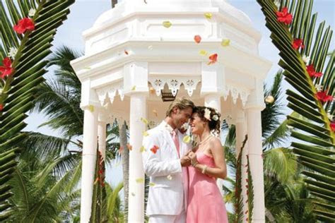 St. Thomas Destination Wedding Cost for 2018