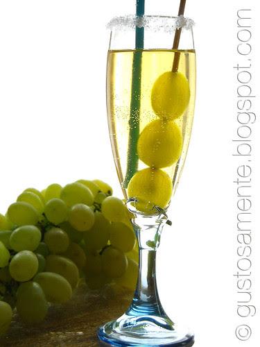 """""""Uva-Mela"""" drink"""