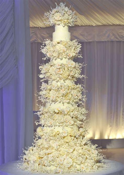 9 Extravagant Celebrity Wedding Cakes   CHWV