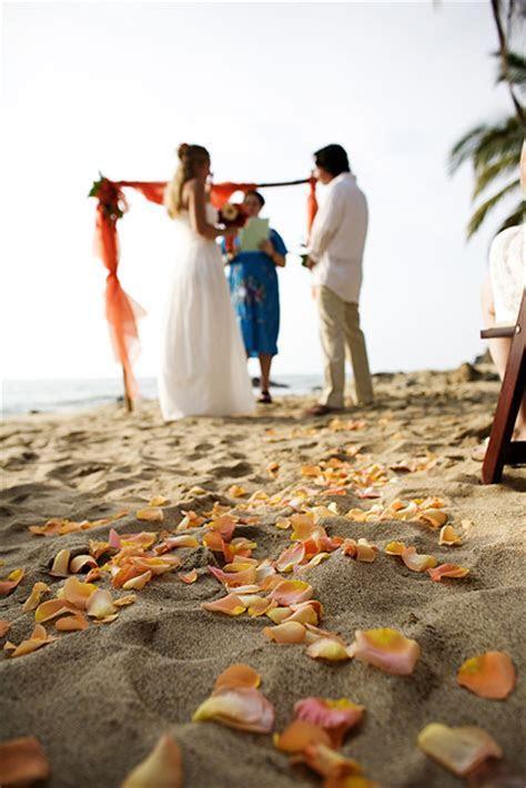 Real Weddings: Lindsay and Tim's Beach Destination Wedding