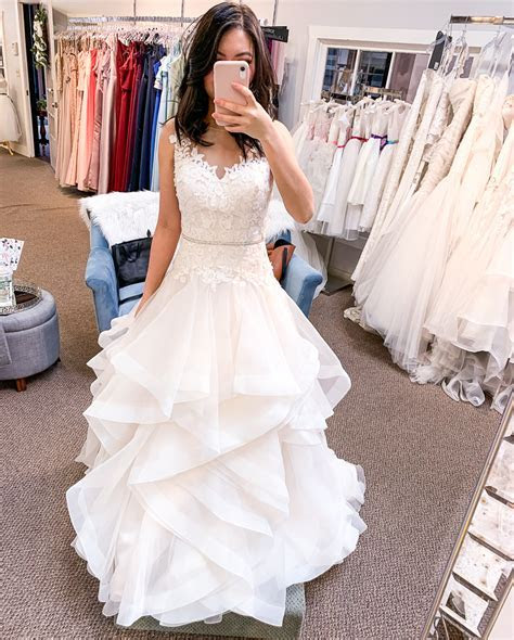 8 tips for how to prepare for bridal dress appointments