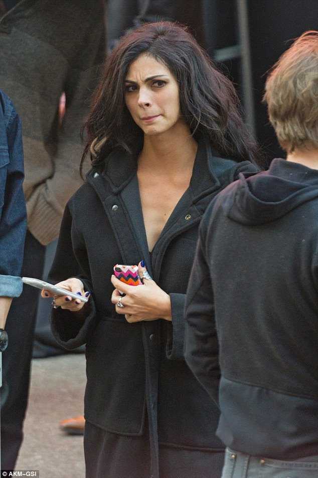 Copycat: Morena Baccarin who plays Deadpool's love interest Vanessa Carlysle was seen weilding a pair of phones