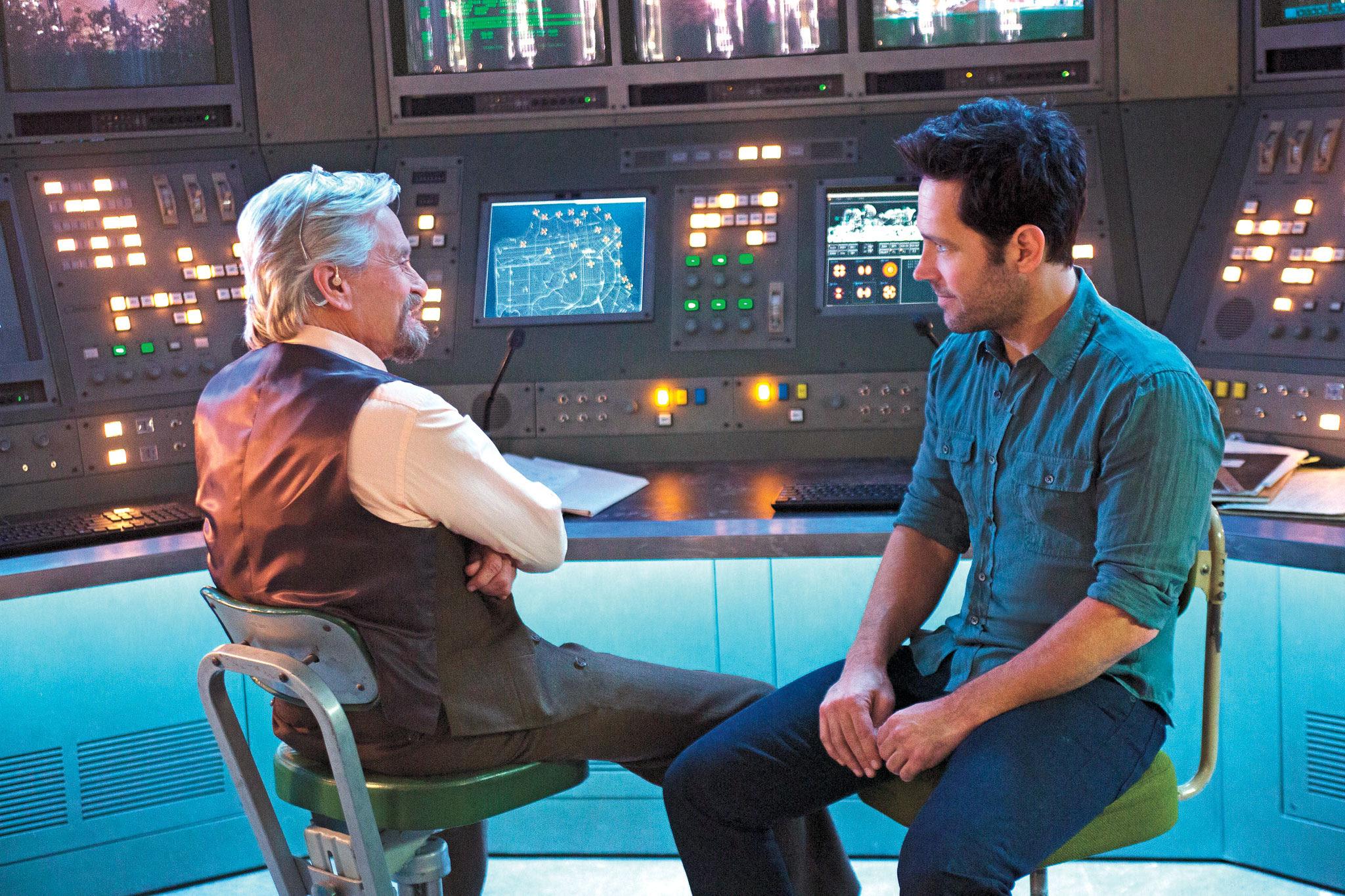 Hank Pym y Scott Lang en Ant-Man